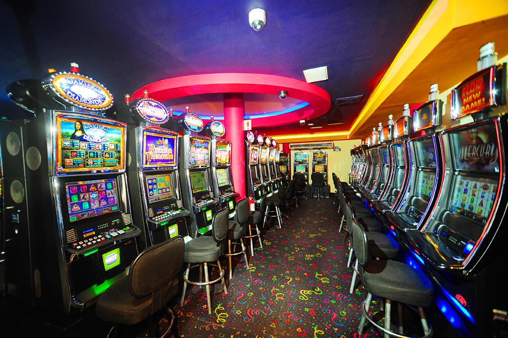 Fantastic casino albrook